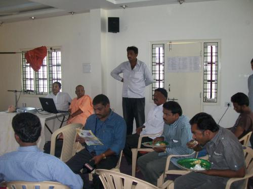 pressmeet at iskcon base kukatpally dr.sahadevdasa and mahasringadasa addressing the press